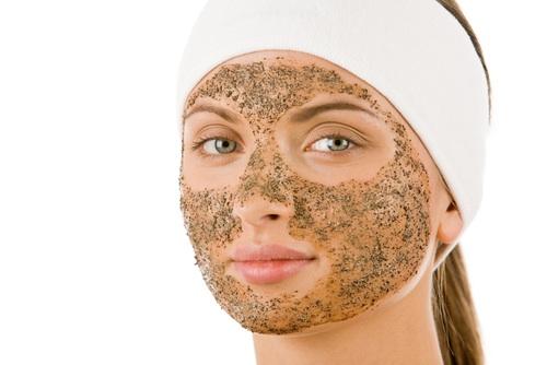 Пилинг кожи с помощью скраба