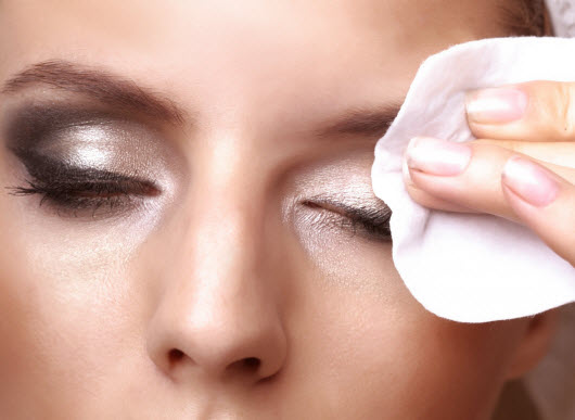 Снятие макияжа с век