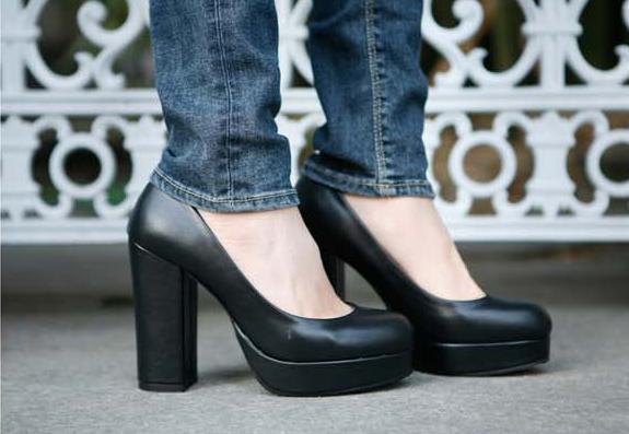 Туфли на широком каблуке