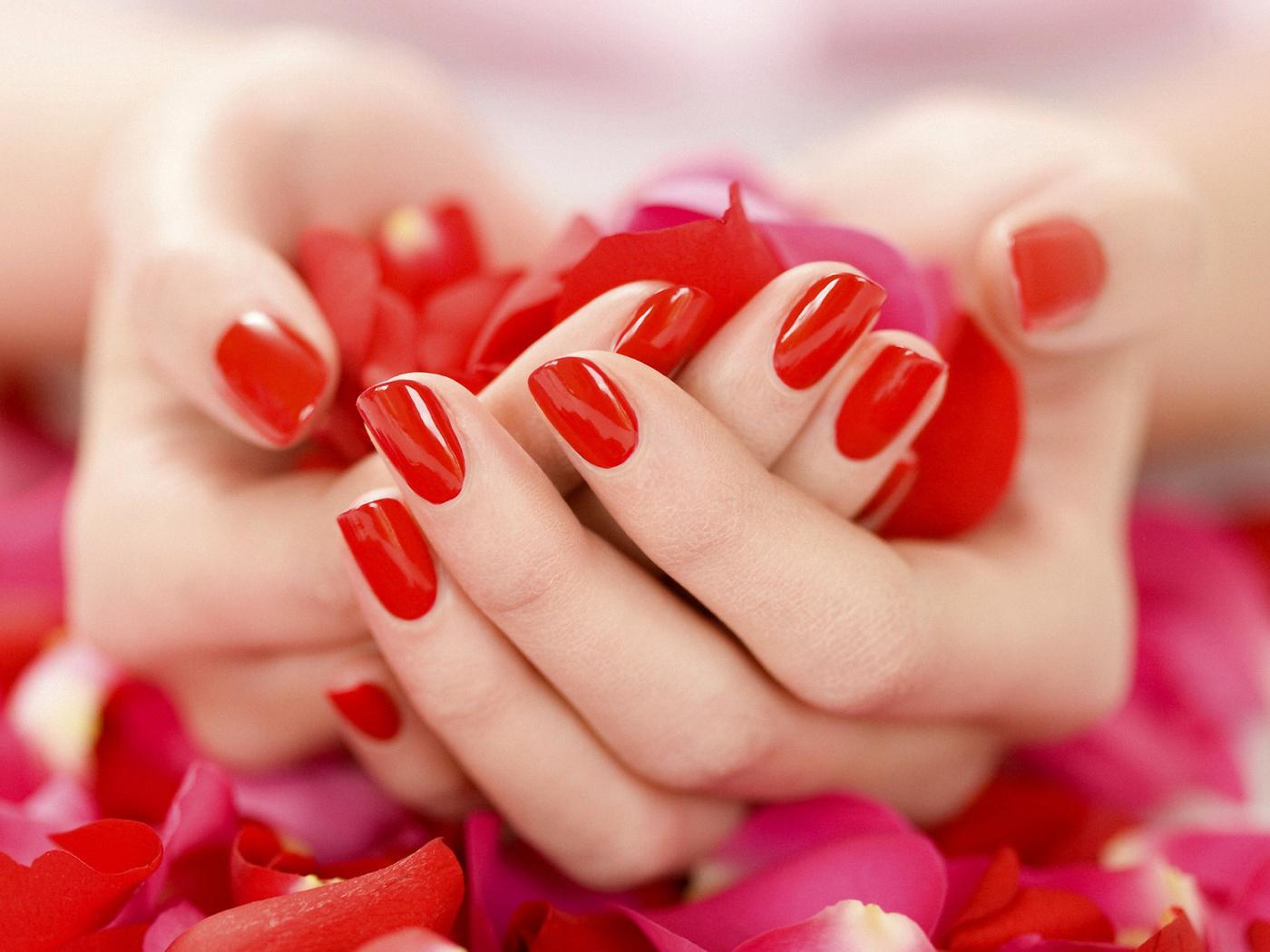 Фото или картинки с маникюром ногтей