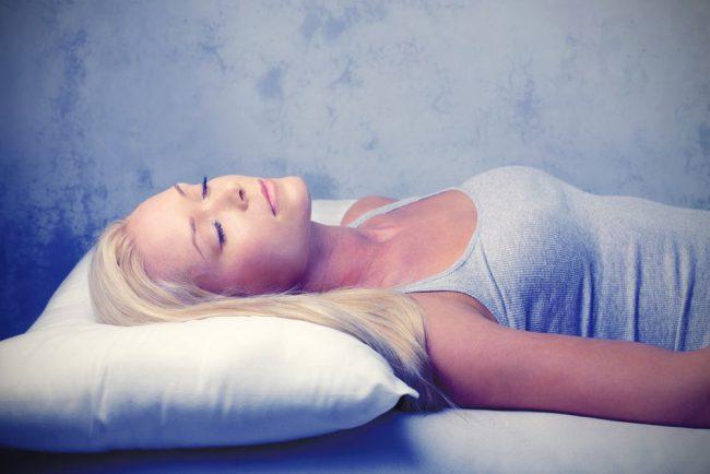 Как правильно спать, чтобы не было морщин