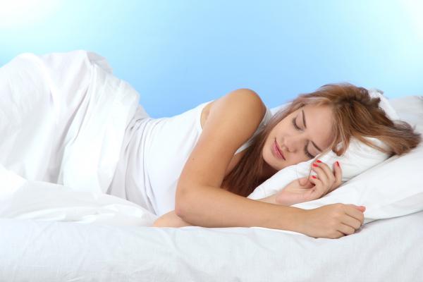 Сон на левом боку продлевает жизнь