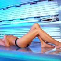 Поцелуй искусственного солнца, или Как правильно загорать в солярии