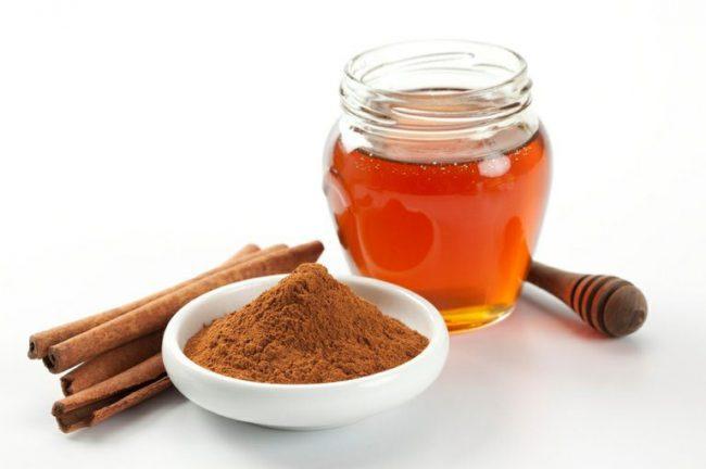 Мед, корица и кофе