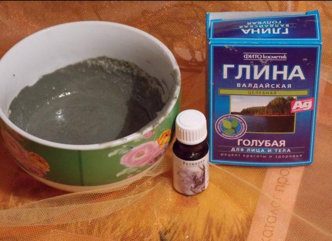 Скраб из голубой глины и эфирного масла
