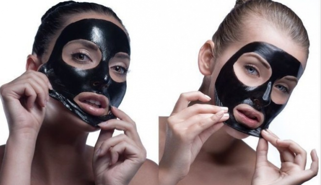 Черная маска-пленка на лице