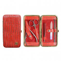 Качественные маникюрные инструменты для ухода за ногтями
