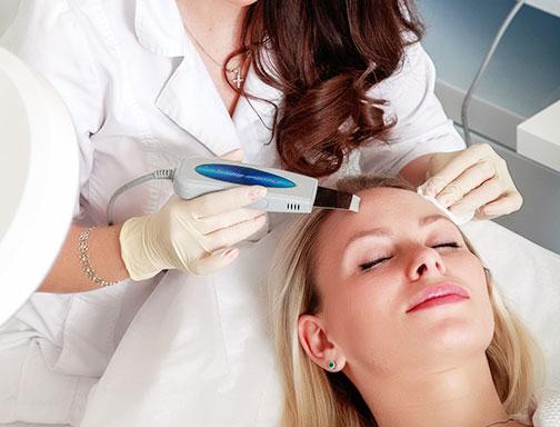 На приеме у дерматолога-косметолога
