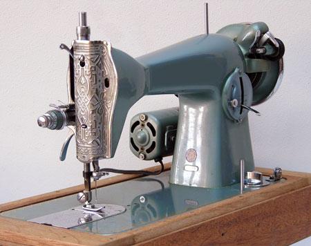 Швейная машинка с механическим управлением