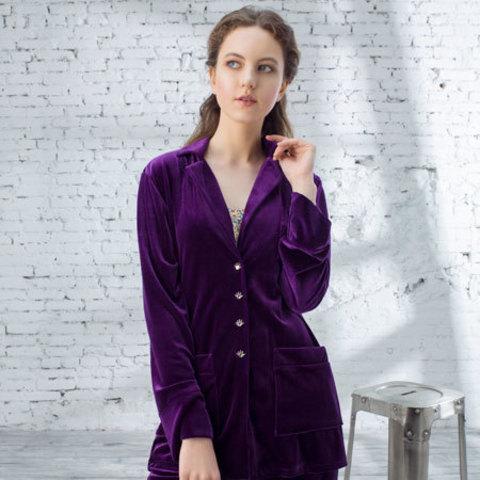 Девушка в бархатном пиджаке