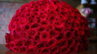 Что означает букет из 101 розы?