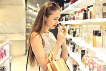 Прикоснуться к легенде: выбираем идеальный парфюм Yves Saint Laurent