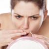 Как избавиться от волос на лице: профессиональные методы и домашние способы